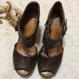 Bron platform heels
